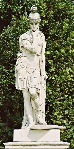 лат.Quintus Fabius Maximus Cunctator